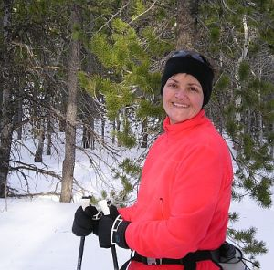 Bonnie skiing